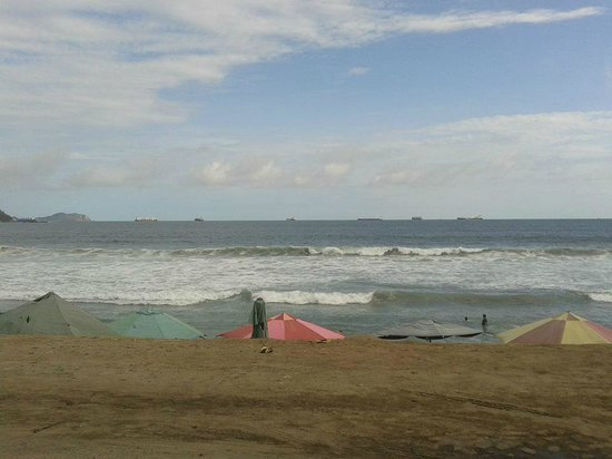 Hotel Vista Playa de Oro Manzanillo : en la Playa