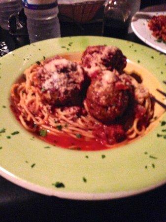 Salvatore's Italian Restaurant: Spaghetti and Meatballs