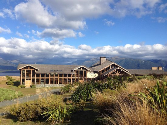 Fiordland Lodge : Lodge in the morning