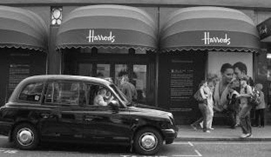 Knightsbridge: Harrods in B&W