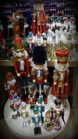 Knightsbridge: Xmas shopping at Harrods