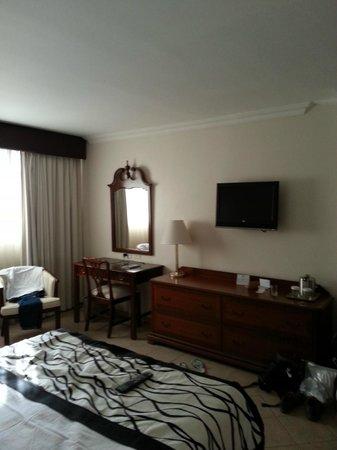 Continental Hotel & Casino: chambre