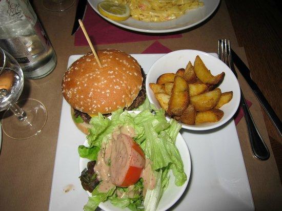 Le Cafe des Beaux Arts: before eating
