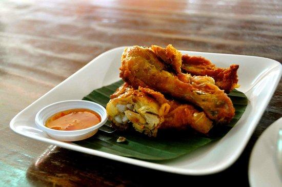Huen Phen: Fried Chicken - good in any cuisine