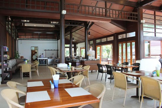 Barali Beach Resort: Breakfast area