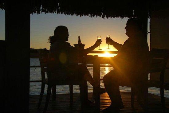 The St. Regis Bora Bora Resort : Romantic Champagne Toast