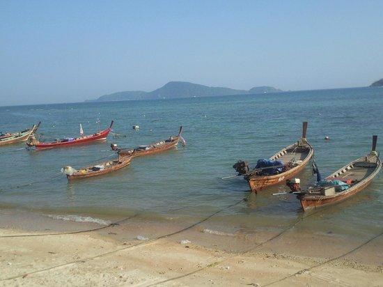 Rawai Beach: Рыбацкие лодки