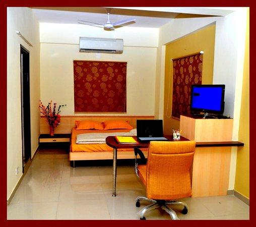 Orion Serviced Apartments : Studio Apartments