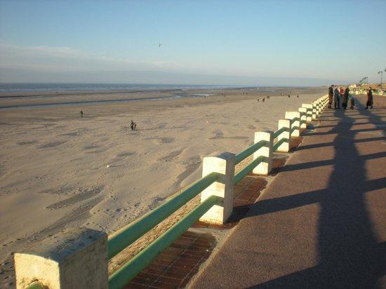 Les Augustines: la plage à 3km