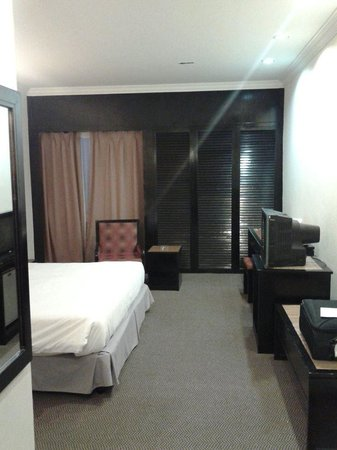 Wana Riverside Hotel: Room