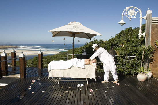 Kennedys Beach Villa: Massages available on deck