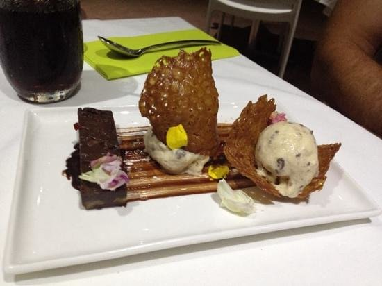 The Pavilion by the pier: deconstructed brownie. amazing! brandy snaps to die for