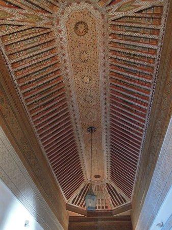Palais de la Bahia : Plafond d'une salle du palais