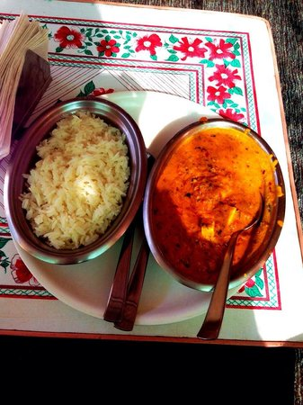Mystic Jaisalmer Hotel: Shahi paneer with rice!!! From my point of view, it's just SO DELICIOUS .(Panner is Cheese)