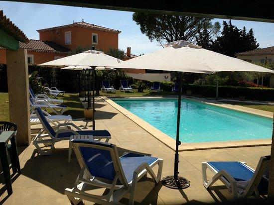 Hotel le Pradet : piscine