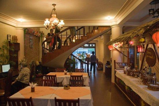 Nhi Nhi Hotel : Dining room