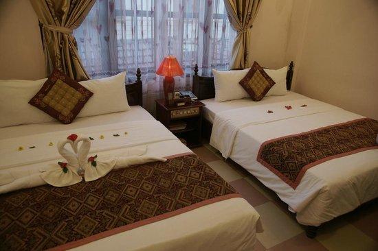 Nhi Nhi Hotel : Bedroom