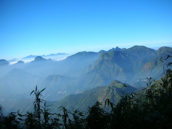 Trails of Mountain Travel : Fansipan Mountain