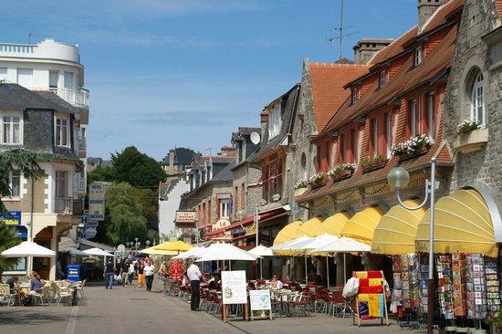 Le Bourg De St Cast Le Guildo / St Cast Le Guildo Center