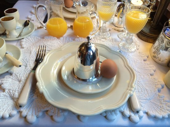 Guesthouse Bonifacius: Boiled eggs for breakfast - one of many breakfast choices