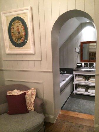 Guesthouse Bonifacius: Beautiful arched bathroom doorway