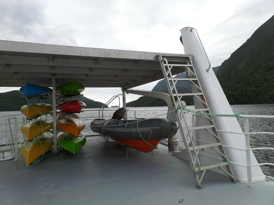 Doubtful Sound : Kayaks for your use