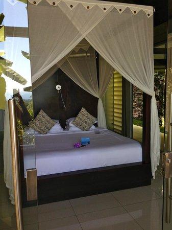 Oxygen Jungle Villas : Beautiful bedroom