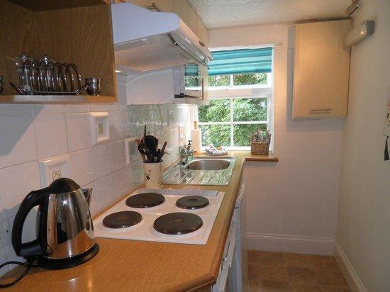Lyn Holiday Apartments: Beachglass Apartment - kitchen