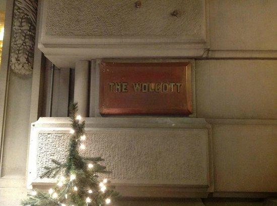 Wolcott Hotel: Вход в отель