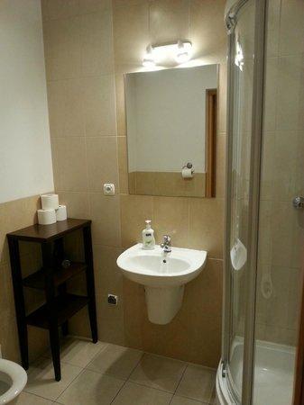 Krakow City Apartments: lovely bathroom