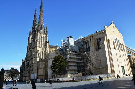 Cathédrale Saint-André : guglie esterne