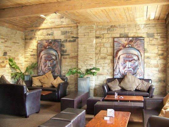 Temujin: Lounge area