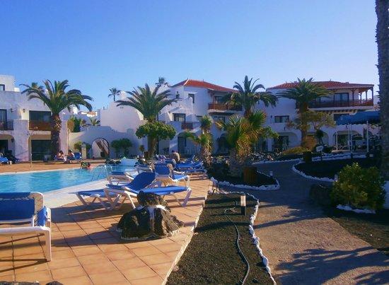 Hotel Hesperia Bristol Playa: Hotel & pool