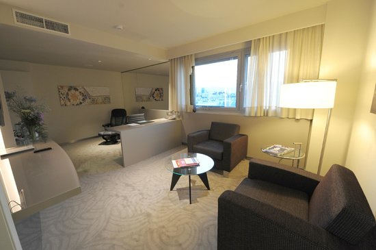 Crowne Plaza Barcelona - Fira Center: Suite