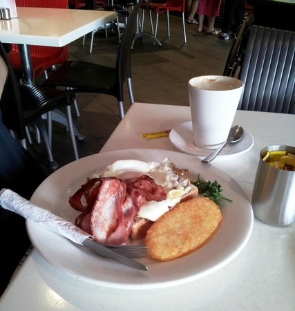 Cafe 21: Big Breakie