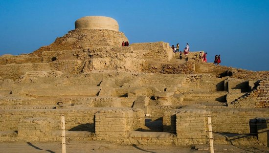 mohen jo daro Mohenjo-daro, the modern name for the site,  preserving heritage: court instructs to take 'utmost' care in holding festival at moen jo daro.
