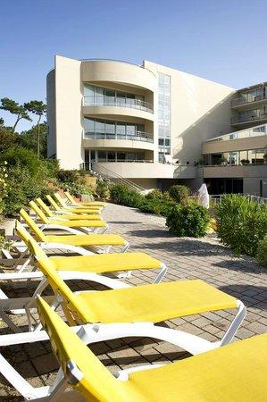 Espace piscine picture of les jardins de l 39 atlantique for Le jardin de l atlantique