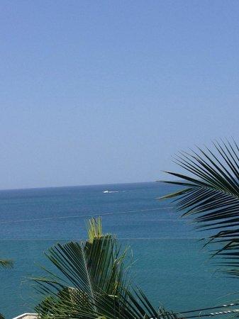 Cape Sienna Hotel & Villas: Ursikt från poolområdet