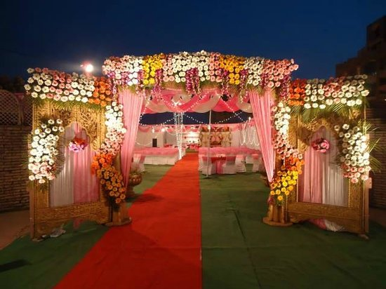 Hotel Surbhi Palace : Side Lawn Marriage Arrangements Upto 1000 Pax