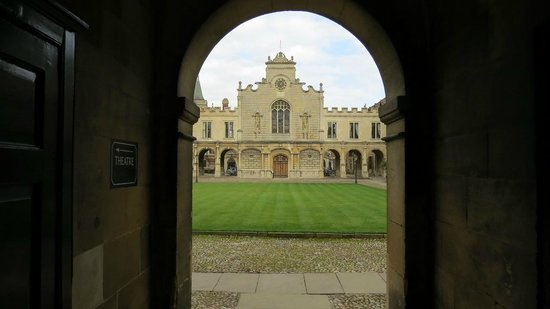 Peterhouse Cambridge: Gateway to learning