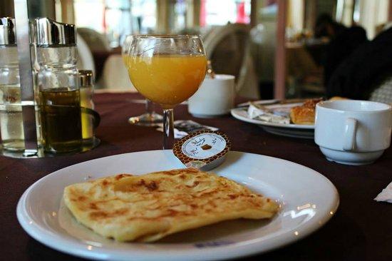Tanjah Flandria : Desayuno
