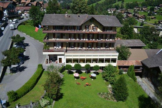 Hotel Staubbach: hotel and garden