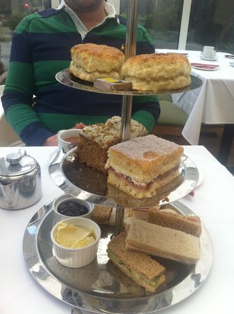 Lark Bar & Restaurant: Afternoon Tea