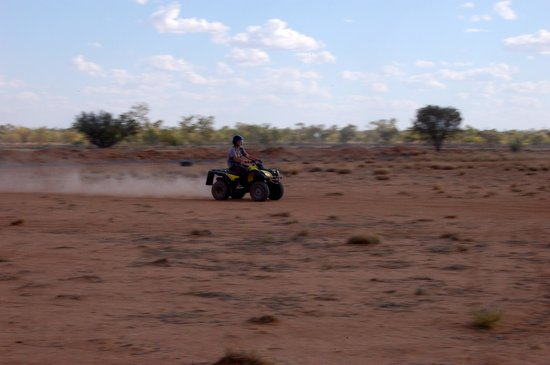 Outback Quad Adventures Day Tours: Speed along