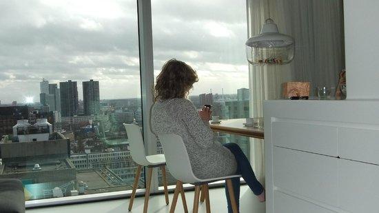 Urban Residences Rotterdam : Essbereich