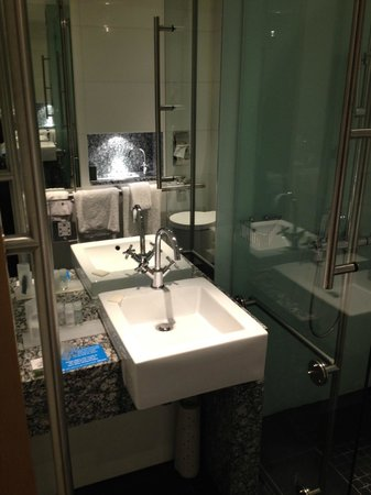 Park Plaza County Hall London : Lovely Bathroom