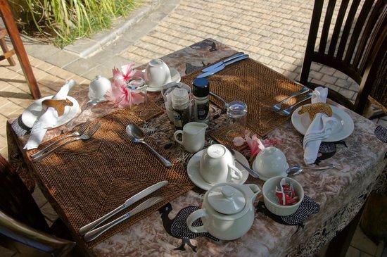 Lodge Afrique : Frühstück auf der Terrasse