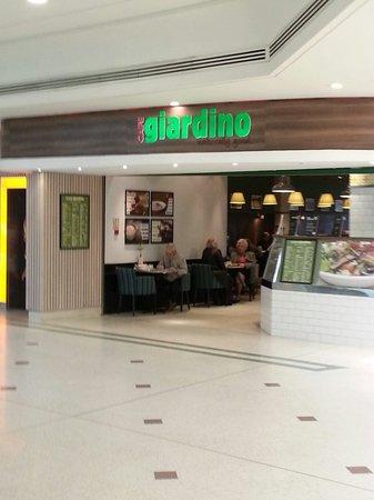 Cafe Giardino: Front of cafe