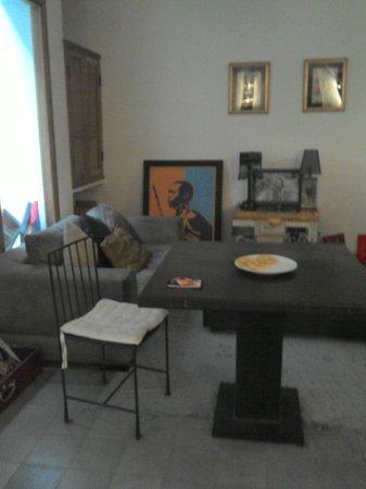 Riad Douceur Mandarine : salle a manger