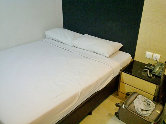Marrison Hotel: Quite comfy bed